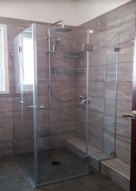 אולטרה מידי מקלחונים :ייצור ושיווק מקלחונים ,דלתות זכוכית,חיפוי מטבח - 7סטון ZH-11